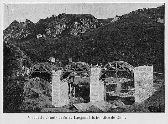 Viaduc du chemin de fer de Langson à la frontière de Chine