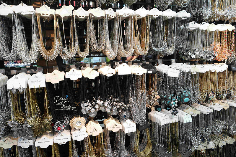 16 reasons yaowarat necklaces