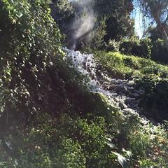 Ψίνθος - Το νερό έγινε πάγος λόγω των χαμηλών θερμοκρασιών !