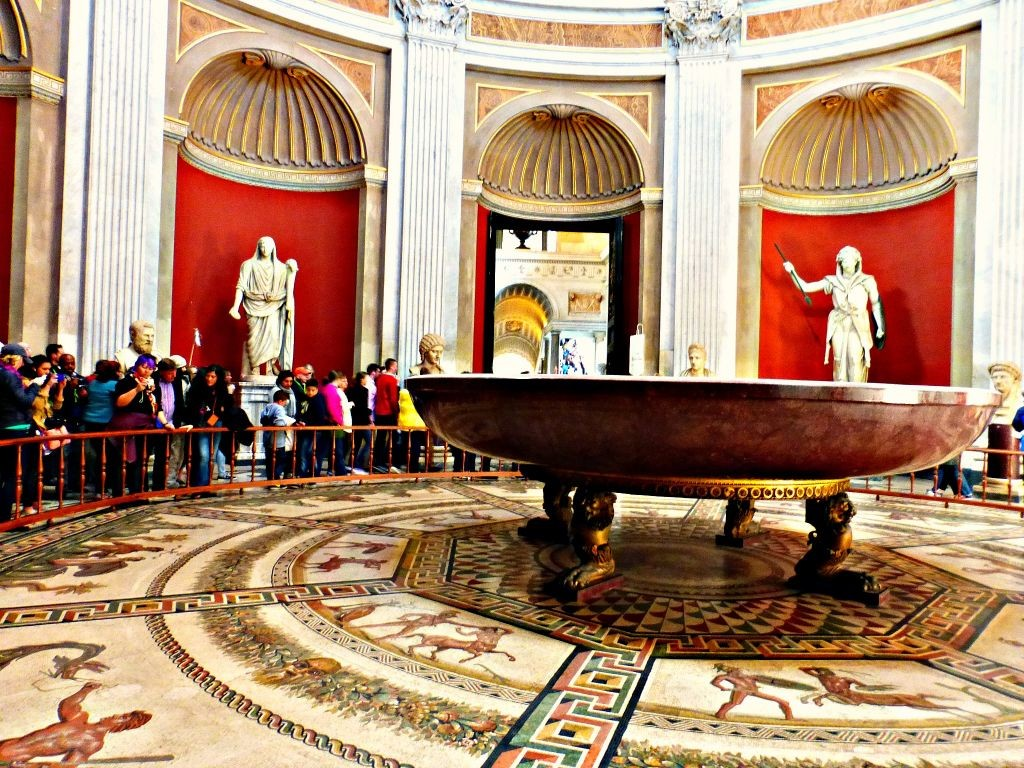 Vatican mosaics, paintings and sculptures