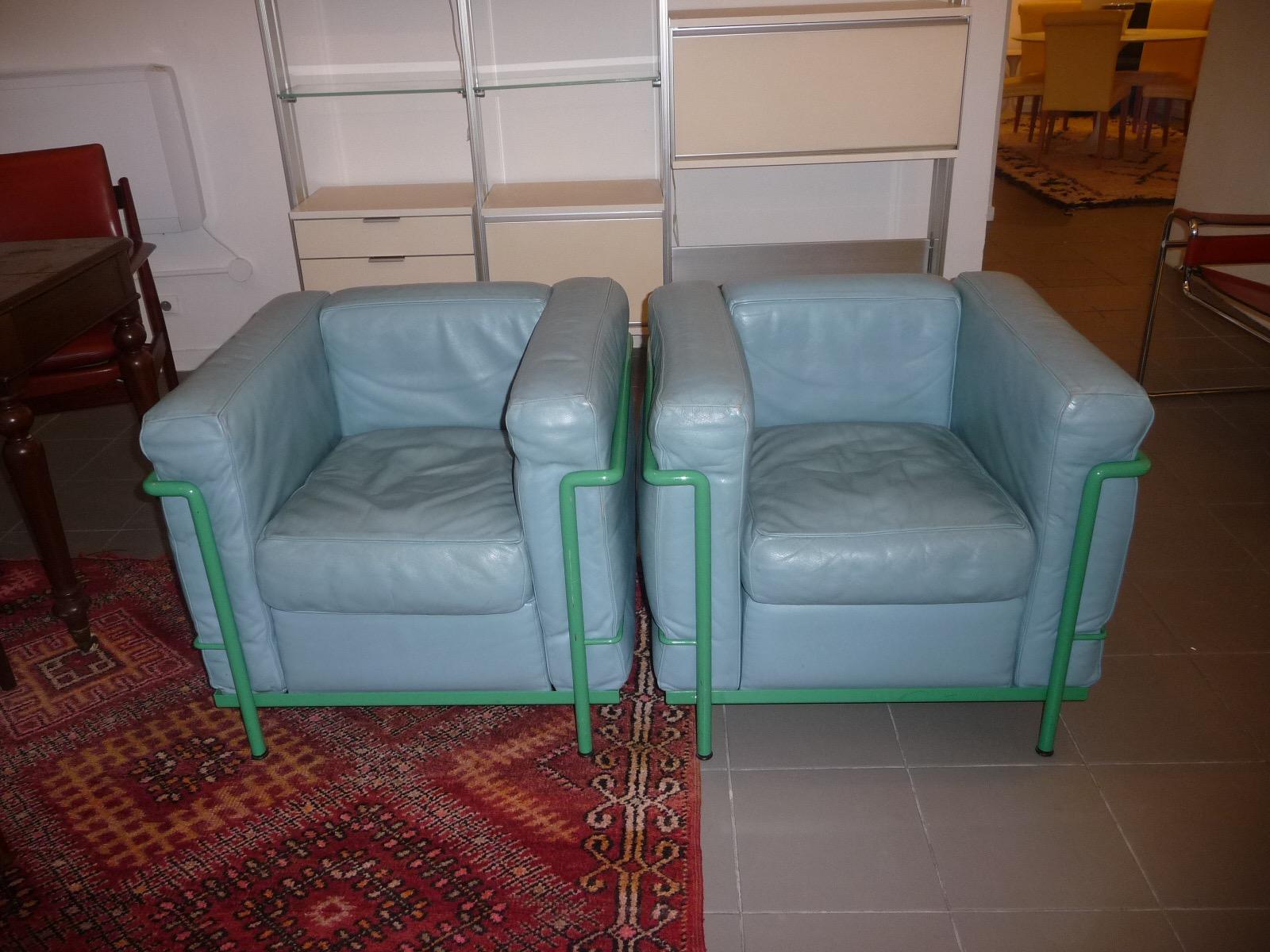 paire de fauteuils le corbusier cassina lc2 ebay. Black Bedroom Furniture Sets. Home Design Ideas