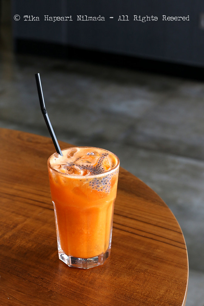 Cozyfield Cafe - Healthy Juice (Orange, Carrot, Apple & Basil seeds)