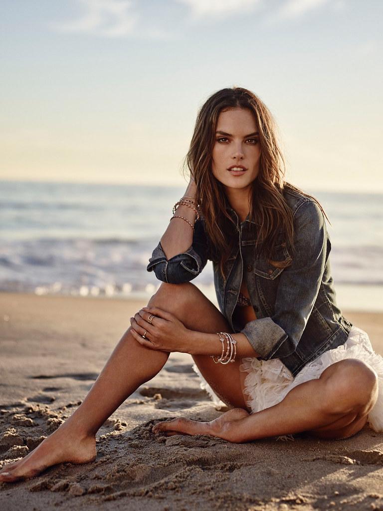 Алессандра Амбросио — Фотосессия для «Cosmopolitan» ES 2016 – 6
