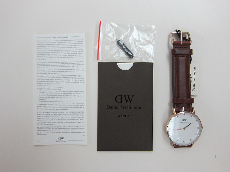DW - Classy St Mawes Watch Rose Gold (34mm) - Box Contents