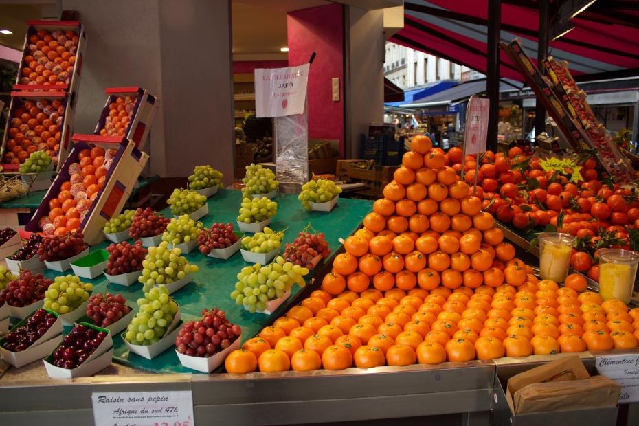 lara-vazquez-madlula-fashionblog-Paris-street-markets-clementinas