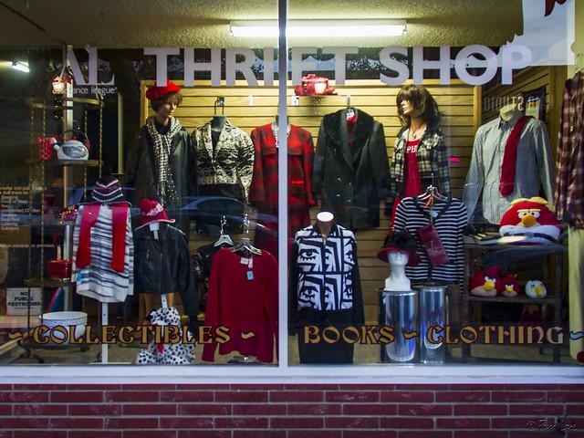 Second Tyme Around Shoppe window display