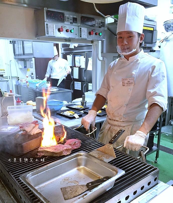 12 IKINARI steak いきなり ステーキ 立食牛排 海濱幕張