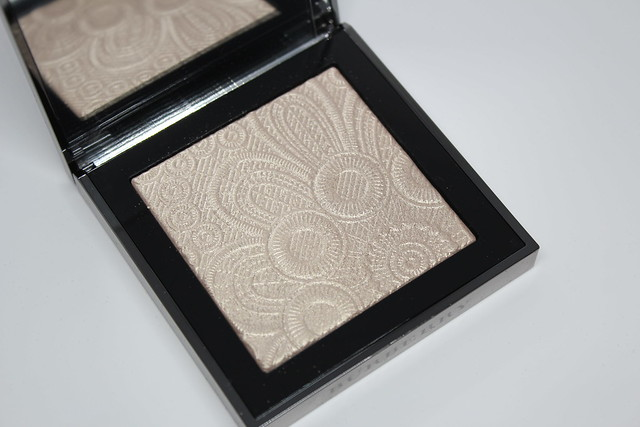 Burberry Spring/Summer 2016 Runway Palette in Nude Gold review and swatch