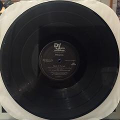 RIHANNA:MUSIC OF THE SUN(RECORD SIDE-D)