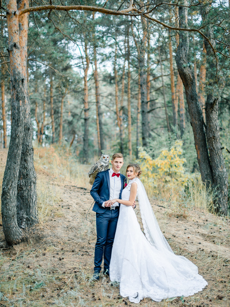 Woodland wedding dress - autumn wedding , Marsala Wedding Inspiration | fabmood.com #marsala #woodland