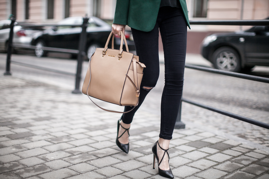 criss-cross-heels-pumps-outfit