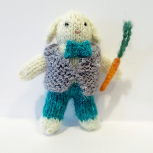 Iron Craft '15 Challenge 5 - Tiny Knit Bunny Couple