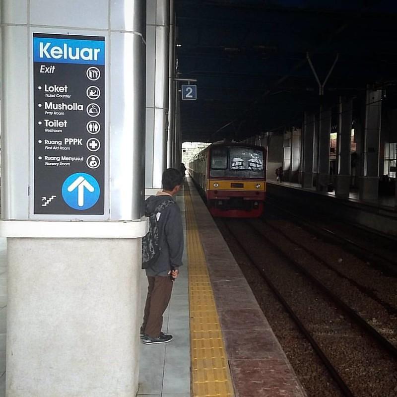 Menuju Tanah Abang   #commuterline #transportation #KRL #jakarta