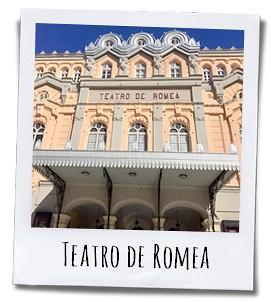 Het Teatro de Romea op de Plaza Julián de Romea dateert uit de tweede helft van de negentiende eeuw en is gebouwd in Neoklassieke stijl