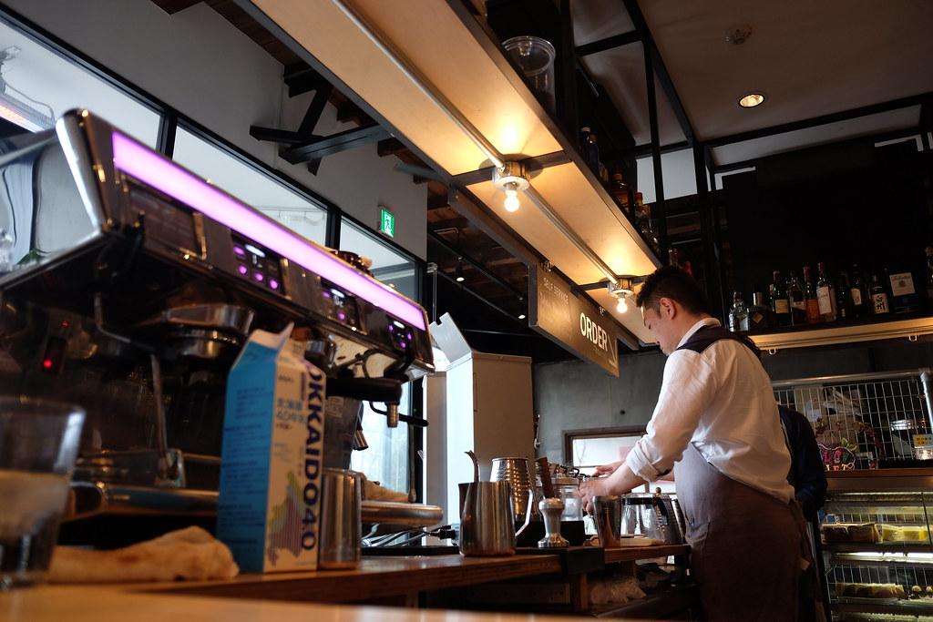 Slow Jet Coffeeのバリスタ 2016/03/13 X7007373