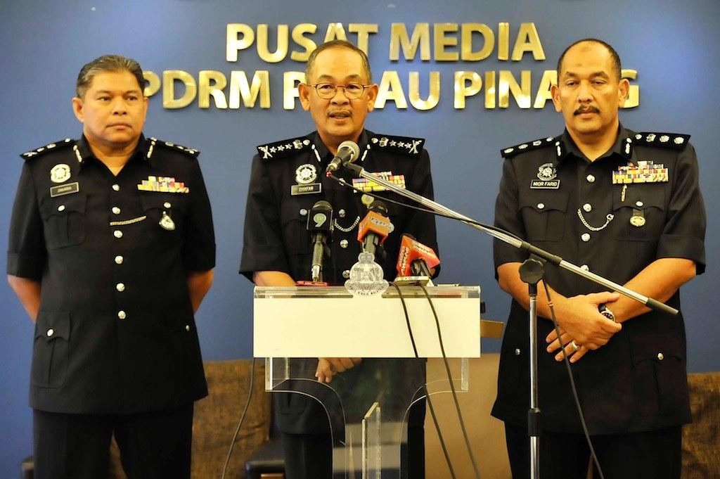 Dato Ketua Polis Akan Menjelaskan Insiden Tangkapan Anggota Polis Oleh SPRM (18 April 2016)
