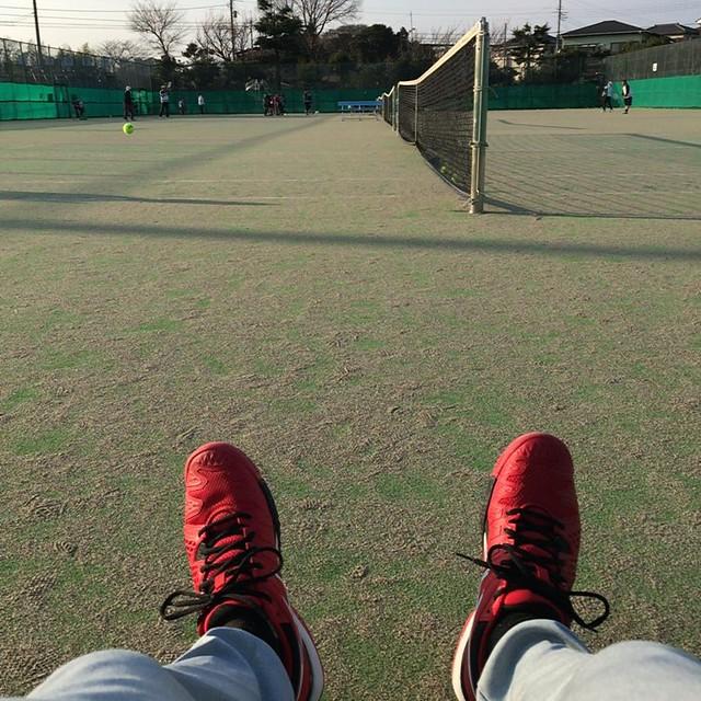 今年は赤い靴。ぎっくり腰だけど(^^;;