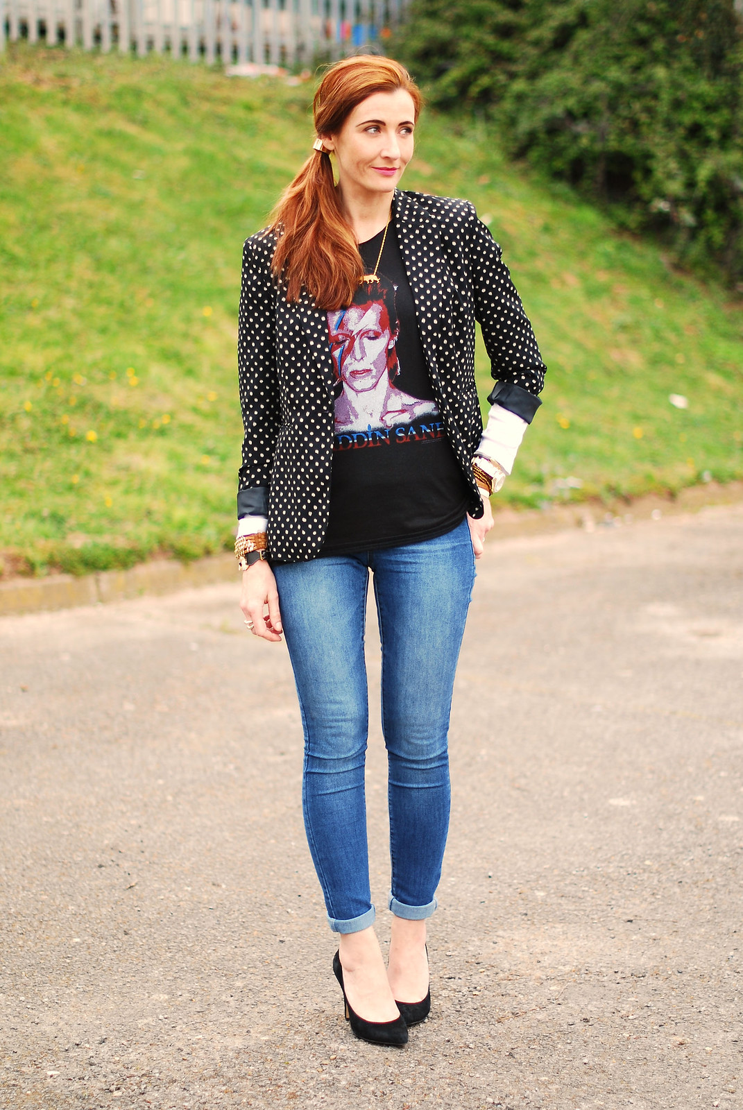 4 Ways to Wear a David Bowie t-shirt | With a polka dot blazer and skinnies
