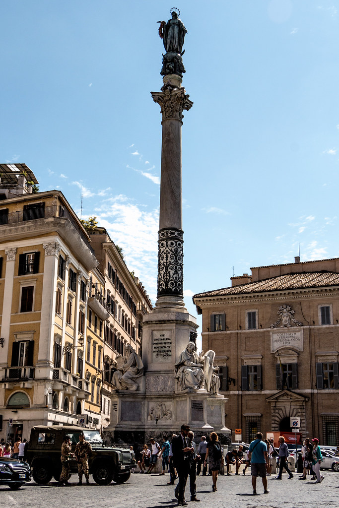 In the southeast part of the square stands the Colonna dell'Immacolata (column of the immaculate conception). The column was found in 1777 underneath a monastery. It was erected here in 1857 to commemorate the dogma of the immaculate conception. It is now topped with a statue of Virgin Mary.