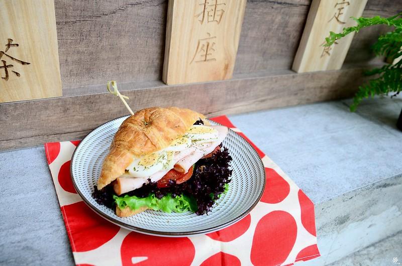 小空間板橋早午餐咖啡廳不限時推薦小倉庫菜單時間新埔 (28)