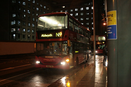 London United SP8 on Route N9, Hammersmith