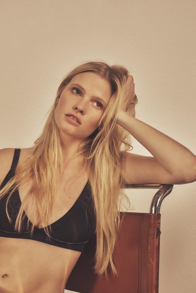 Лара Стоун — Фотосессия для «Vogue» KR 2016 – 4