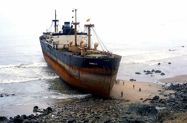 Vũng Tàu Shipwreck - Photo by Stan Middleton 1967-1970