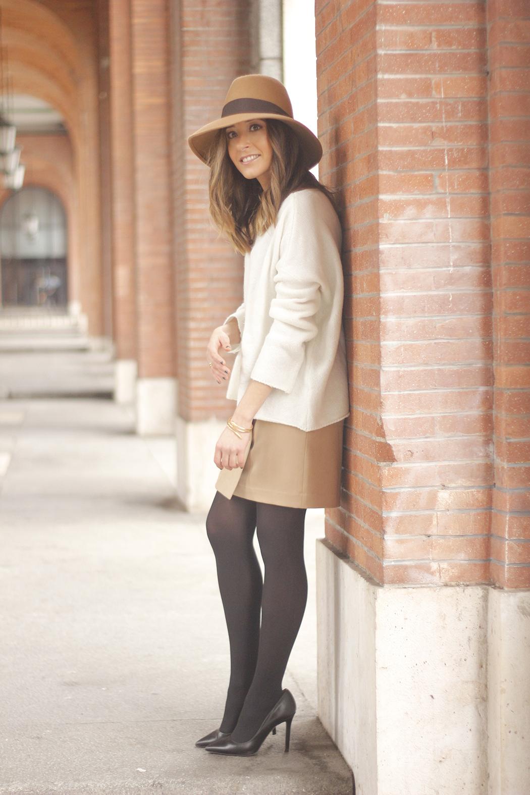 Camel Skirt Mango White Sweater Zara Camel Hat heels fashion outfit07