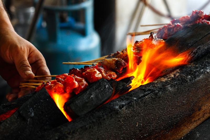 Pak Din Satay Grilling Satay