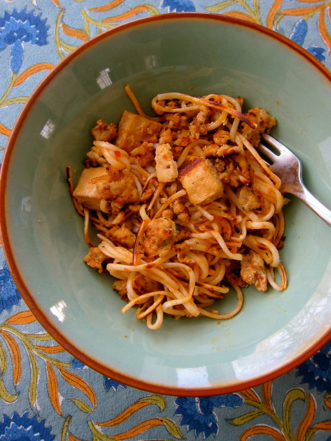 Noodles with Curried Chicken & Tofu