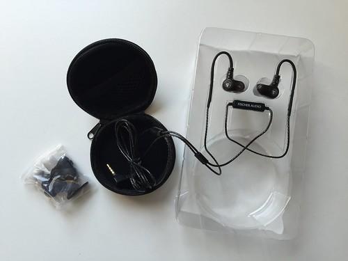 อุปกรณ์ที่มาพร้อมกับชุดหูฟัง Fischer Omega Twin