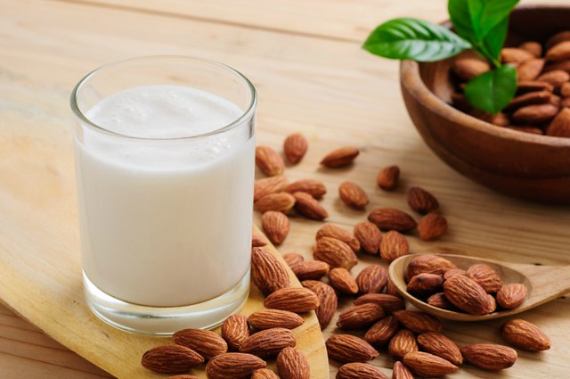 0001almond-milk