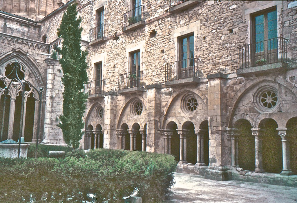 Llor ns lleida catalonia around guides for Malda lleida