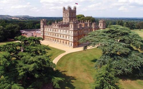 Downton Abbey, il viaggio per scoprire i luoghi della fiction tv di successo