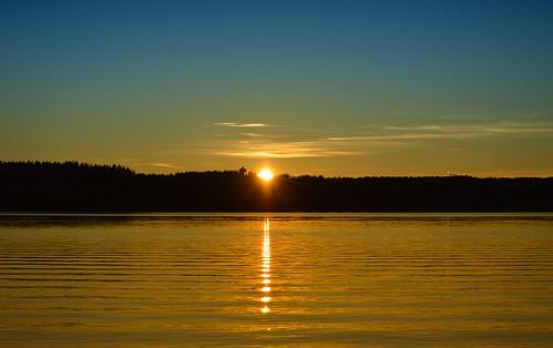 light sunset sky sun sunlight lake nature water beauty weather clouds reflections suomi finland landscape gold golden evening eveningsun goodnight nikkor maisema luonto järvi auringonlasku nikond3200 goldenmoment järvimaisema 55300mm larissadatsha