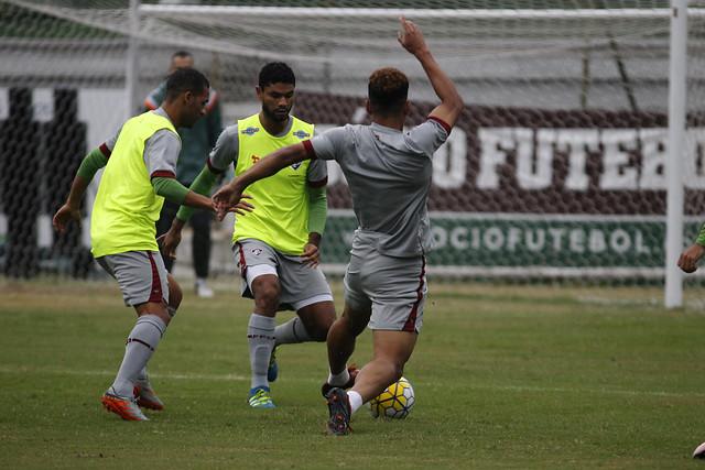 Movimentação e compactação: Fluminense treina forte nas Laranjeiras