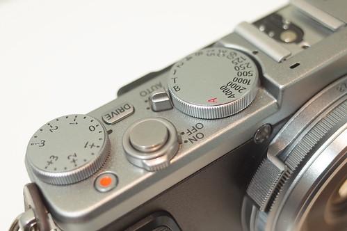 FUJIFILM X70 04