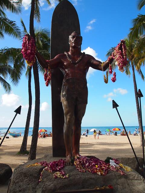 PB290517 waikiki ワイキキビーチ ハワイ hawaii デューク・カハナモク像 ひめごと ヒメゴト