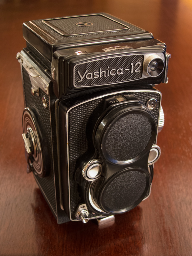 Yashica-12