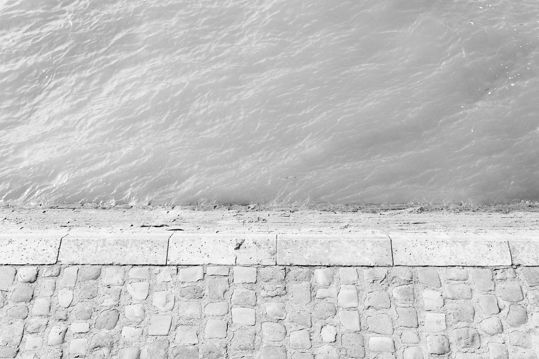 Black & white Paris