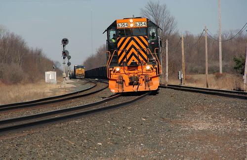railroadtracks csx wheelinglakeerie csxtrains greenwichohio csxgreenwichsubdivision wleoncsx wlemotivepower wleingreenwichohio