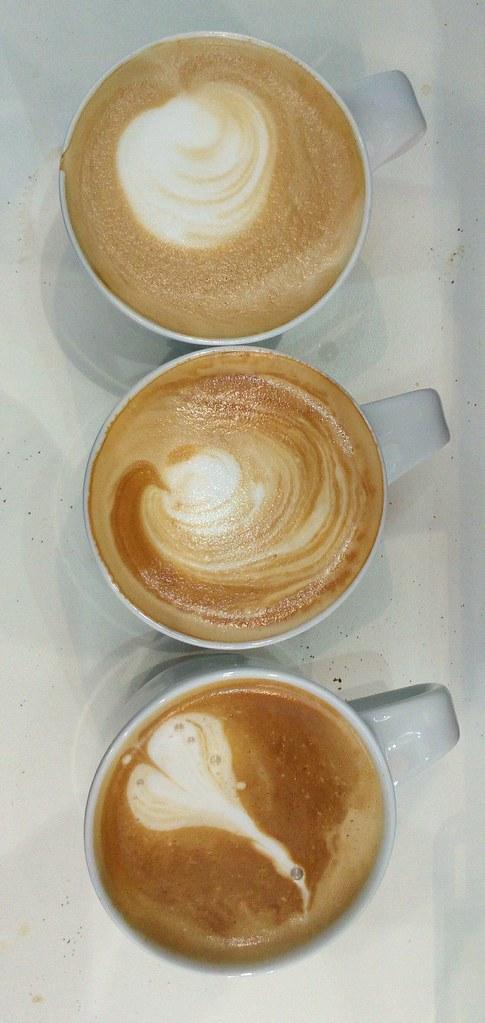 """#HummerCatering #Messe #Augsburg #Siebträger #Kaffeemaschine #Kaffeebar #Barista #Kaffee #Catering http://goo.gl/xajD4e • <a style=""""font-size:0.8em;"""" href=""""http://www.flickr.com/photos/69233503@N08/25274128324/"""" target=""""_blank"""">View on Flickr</a>"""
