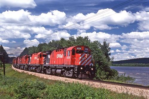 railroad car cp eastbound alco c424 longpondme