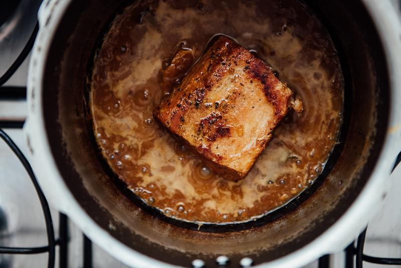 Croquetes de Carne de Porco Desfiada com Mostarda Escura