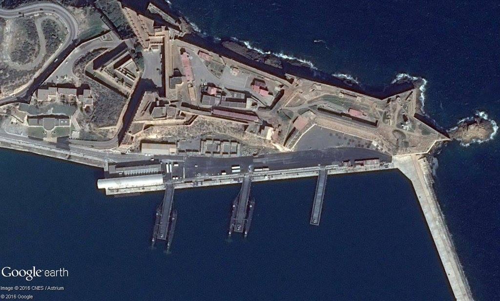 مؤسسة روسية تتلقى طلبًا من الجزائر لبناء غواصتين - صفحة 11 26305930730_44e2e96c61_o