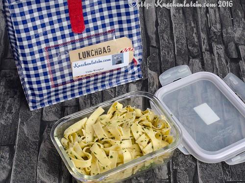 ribbon noodles with tarragon