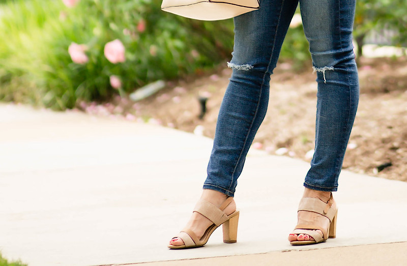 cute & little blog | petite fashion | distressed jeans, hushpuppies molly malia sandals | spring outfit