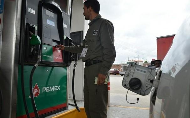 México reduce gasolina con retraso de 4 años: Cepal