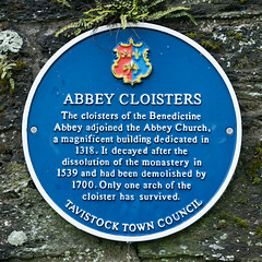 Photo of Abbey Cloisters blue plaque