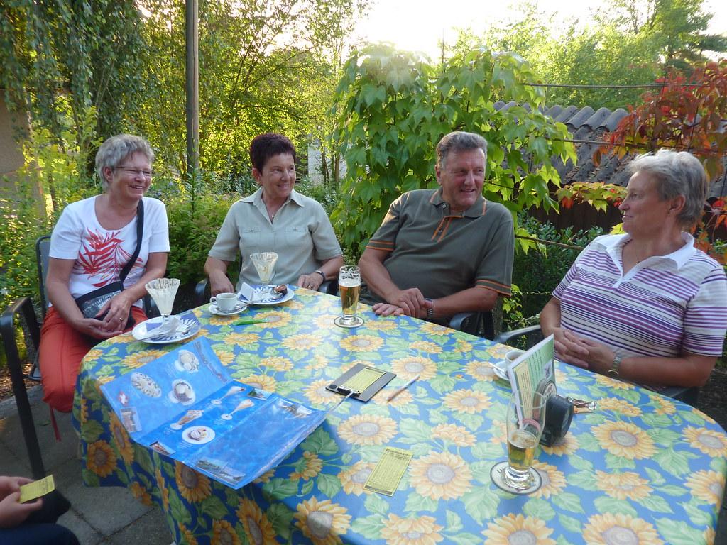 2009-07-21 QB_beim_Minigolf